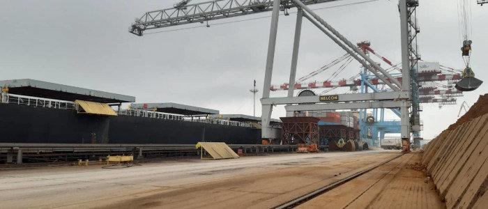 Подготовка к зиме: ДТЭК привез пятое судно с углем из Колумбии