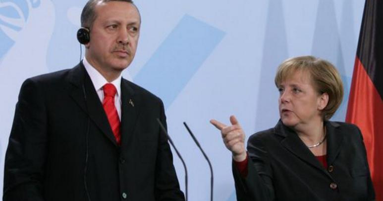 Меркель призвала Турцию прекратить операцию в Сирии