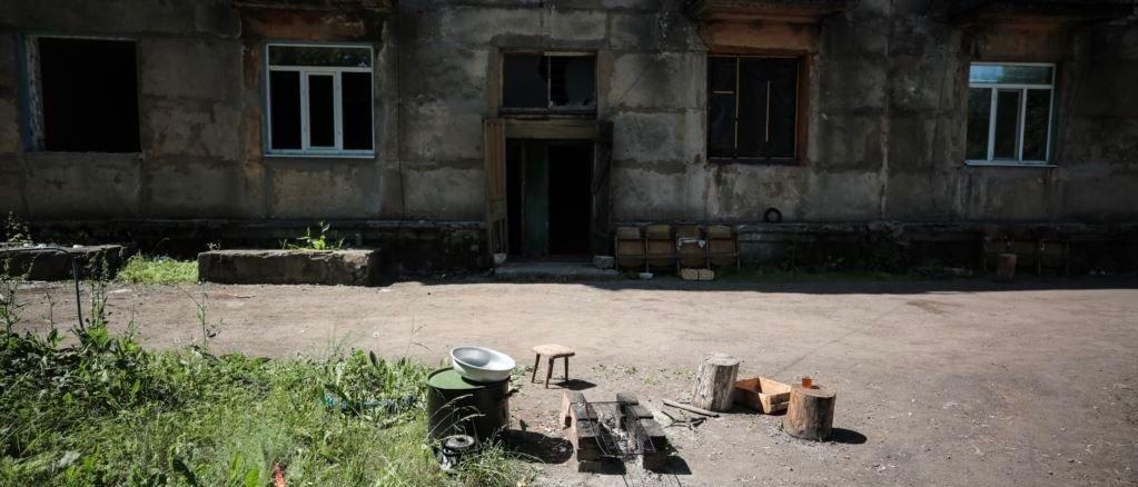 «Мы Украина? Или мы серая зона?»: В Золотом продолжается разведение войск