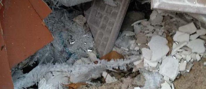 В Мариуполе на свалке разлили ртуть (Фото)