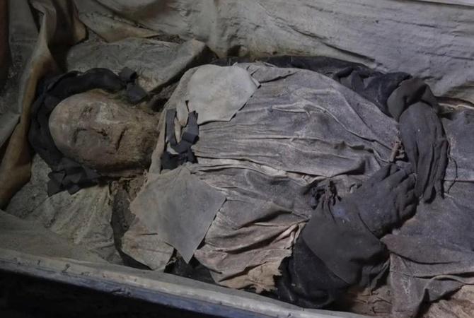 Ученые выяснили, почему епископа XVII века положили в гроб с зародышем