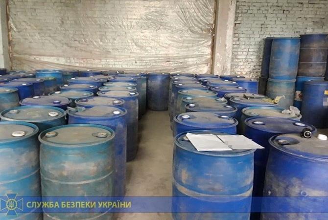 На Тернопольщине суд обязал полицейских уничтожить 6,5 тысяч литров алкоголя и 6 тысяч пачек сигарет