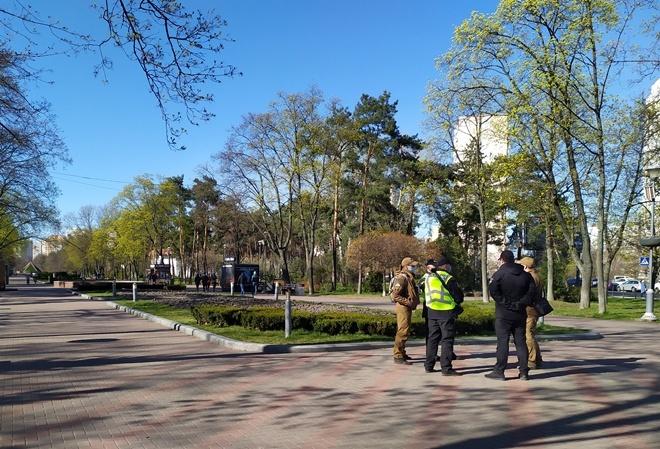 Карантинные запреты: битвы за парки и протоколы в корзину