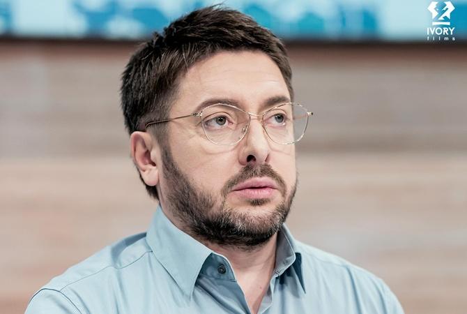 Зрители ток-шоу «Говорить Україна» на канале «Украина» собрали деньги на операцию «девушке-акуле»