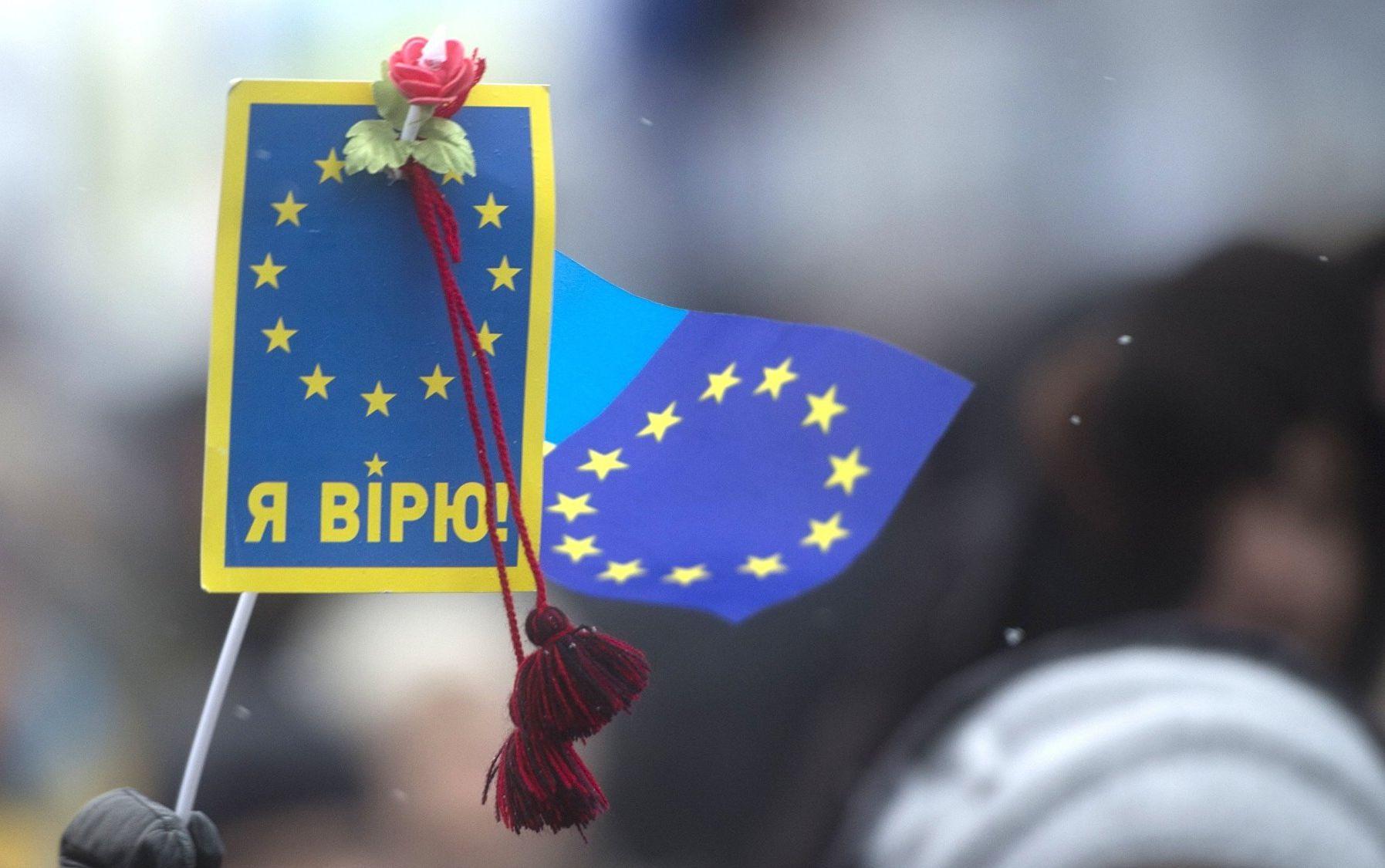 Украина на первом месте по полученным разрешениям на жительство в ЕС