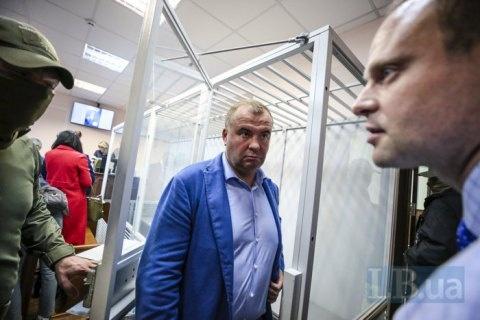 От тюрьмы уже не зарекаются: 13 политиков под подозрением