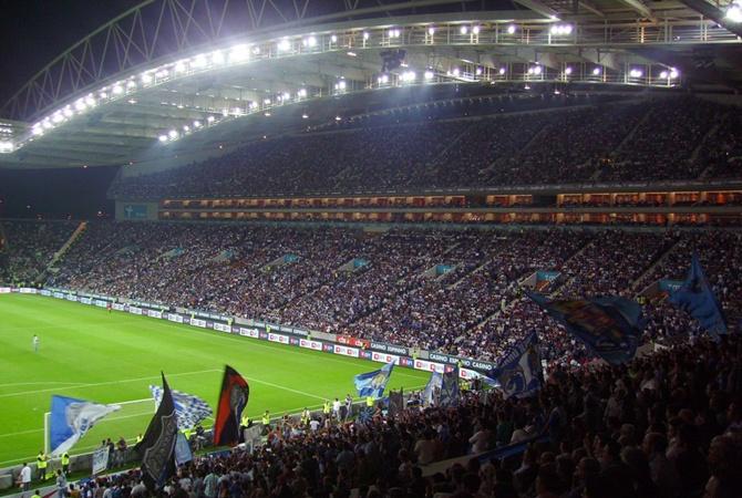 Финал Лиги чемпионов неожиданно перенесли из Стамбула не в Лондон