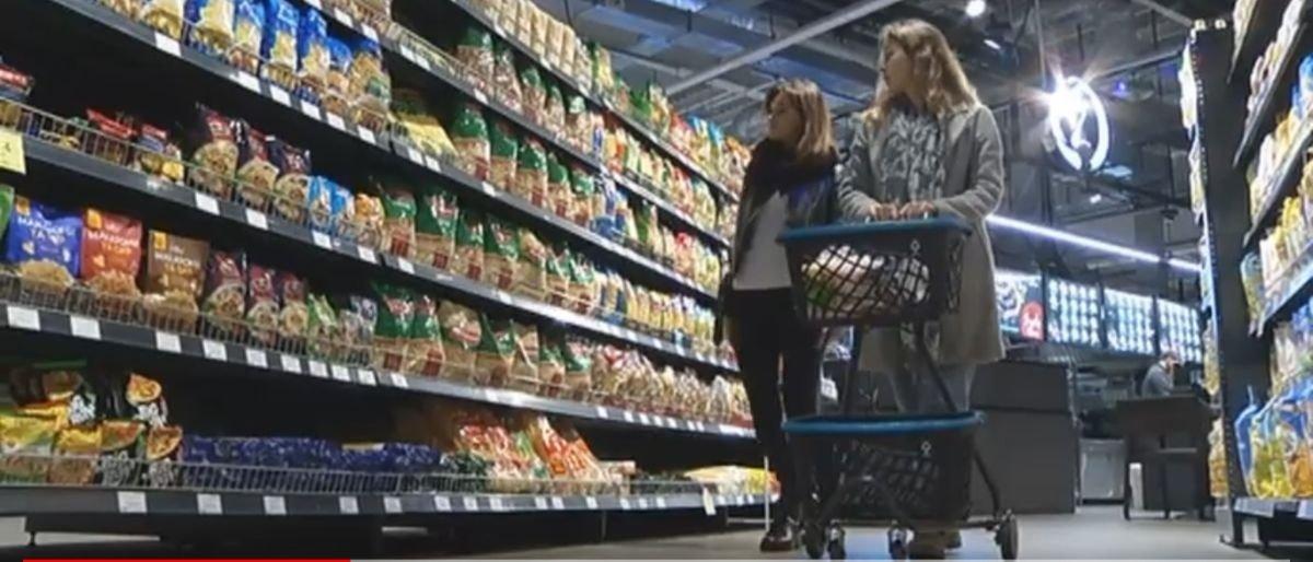 Еда, жилье и одежда: Студенты Донетчины рассказали, как прожить месяц на стипендию (Видео)