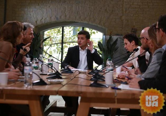 Эксперты о пресс-марафоне Зеленского: «Мало требовать задать вопрос. Нужно еще знать, что и как спросить»
