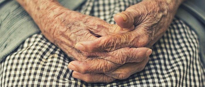 Выплаты будут прекращены: В «ЛНР» показали, какие письма приходят пенсионерам (Фото)