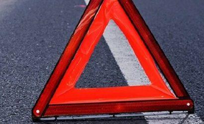В Донецке 20-летний водитель на Mitsubishi Lancer врезался в дерево: Погибли двое