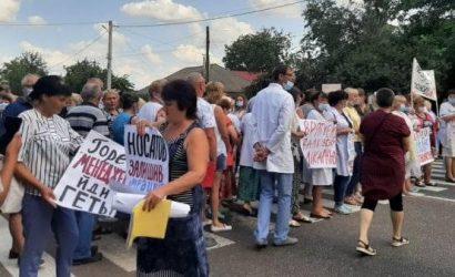 Валковские медики стали заложниками недобросовестной работы менеджмента больницы