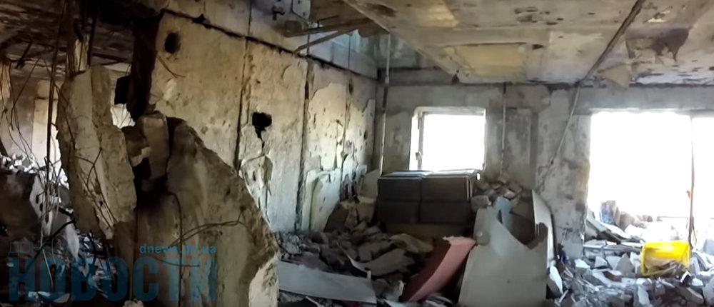 Житель Донецка показал, что осталось от штаба «ополчения» у аэропорта (Фото)