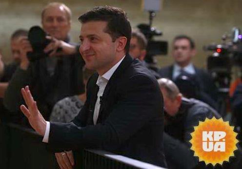 Зеленский извинился за слова Богдана о проплаченном вече на Майдане. Но хочет ответных извинений.