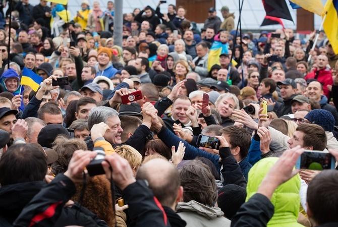 Порошенко не смог уехать с Майдана на такси