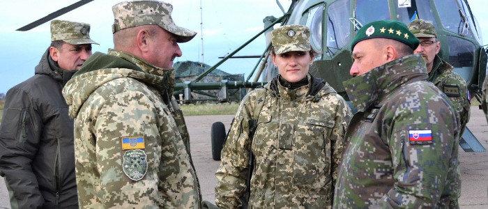 В зону ООС приехала делегация военных из Словакии (Фото)