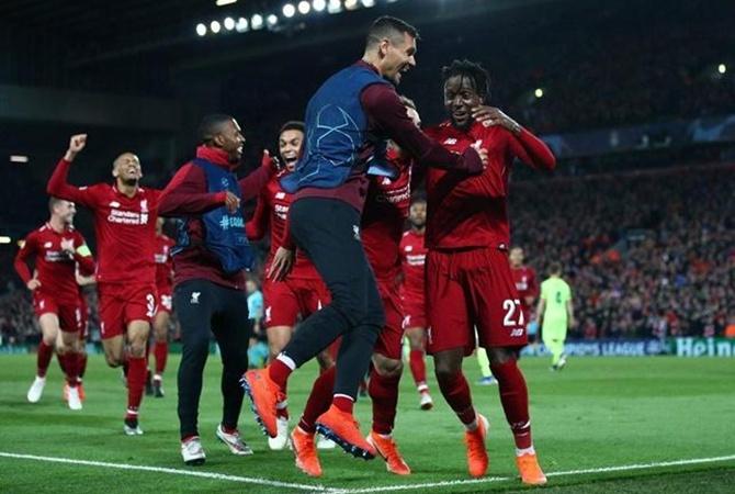 «Ливерпуль» выиграл в суде у своего спонсора и уходит к другому