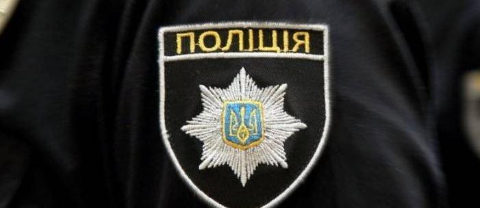 Забрали даже продукты: В Торецке двое налетчиков избили и ограбили пенсионера