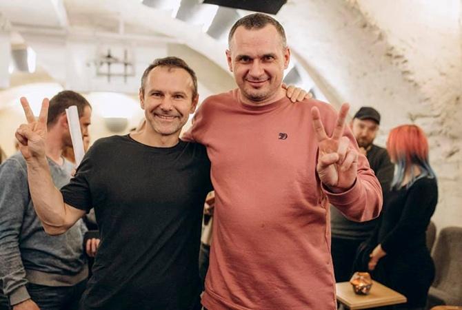 Вакарчук спел для Сенцова и моряков в Одессе