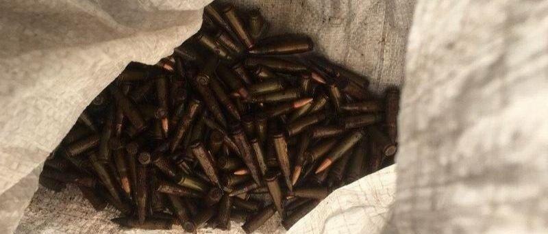 Порыбачил: Житель Славянска принес в полицию мешок с патронами (Фото)