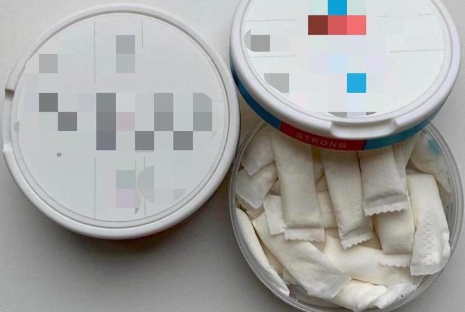 На Луганщине школьник отравился табаком — попробовал снюс