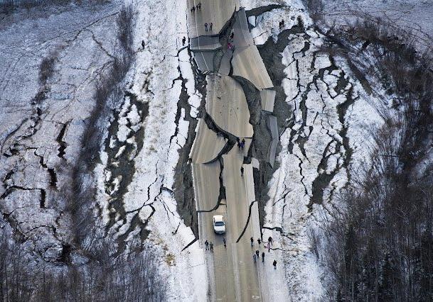 Аляску всколыхнуло самое сильное с 1964 года землетрясение, объявлена угроза цунами