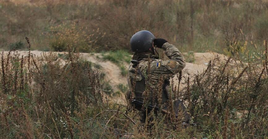 НВФ обстреляли украинские позиции под Мариуполем: Ранен военный