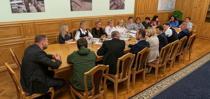 Добровольцы, ветераны, погибшие на Донбассе: Зеленский рассказал о социальных инициативах