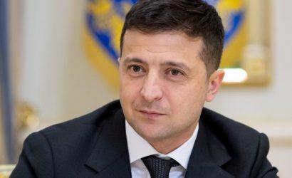 Зеленский поздравил украинок с 8 марта: С вами — мы люди и личности