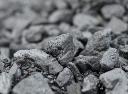 В Донецкой области два чиновника организовали незаконную добычу угля из закрытой шахты
