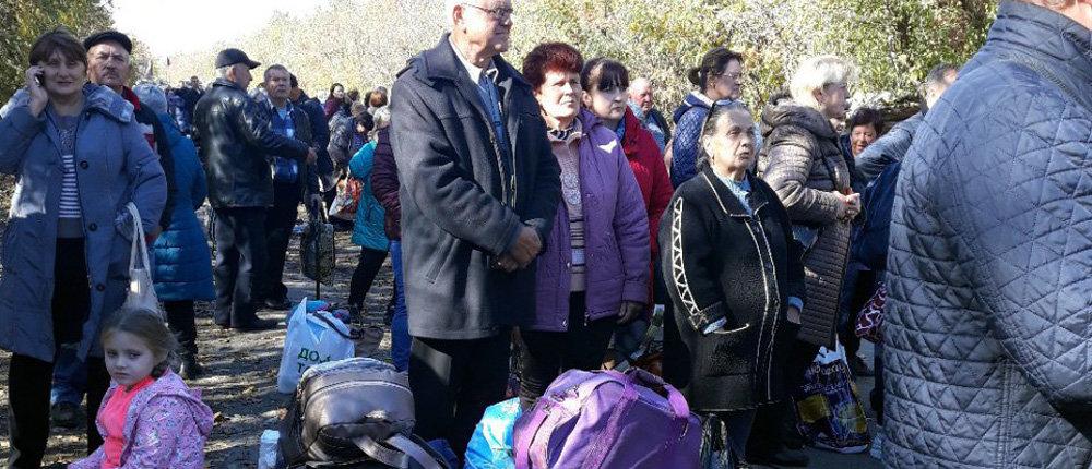 «Пешая – ахр*нительная»: Очевидцы показали очередь на въезд в «ДНР» (Фото)