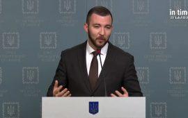 Никифоров опроверг возможную отставку министра обороны Тарана