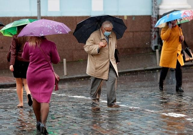 Украину зальет дождями, которые принесут похолодание