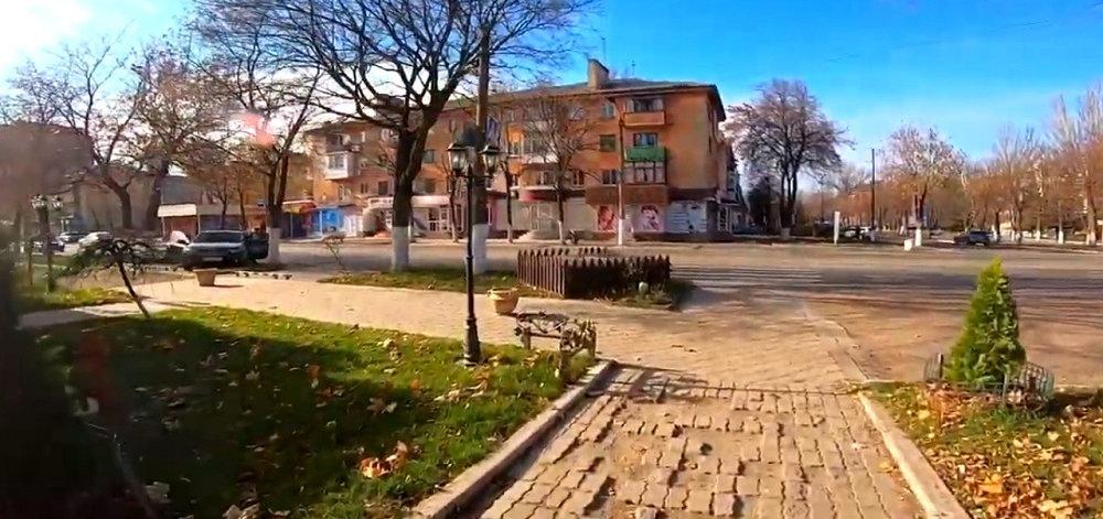 Горловка в воскресный день: Как выглядит центр города в ноябре (Фото)