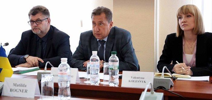 Кабмин согласовал увольнение главы Луганской ОГА Комарницкого