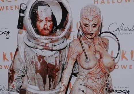 Хайди Клум с мужем на Хэллоуин превратились в ужасающих зомби