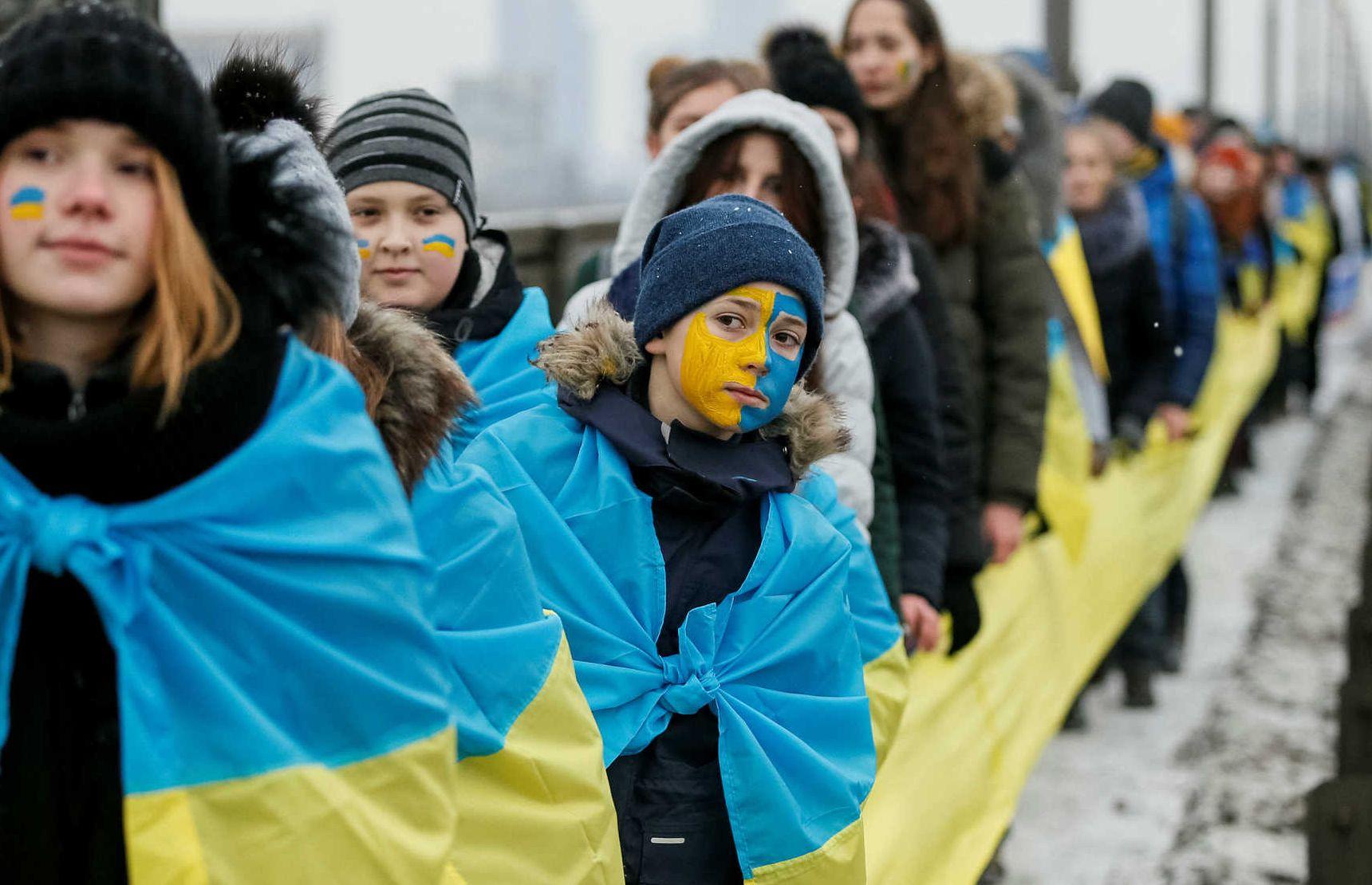 Количество жителей Украины опустилось ниже отметки 42 млн
