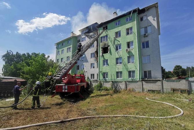 Под Киевом взорвался и загорелся пятиэтажный дом