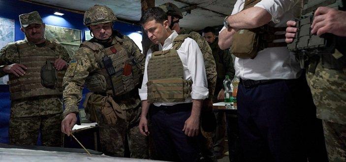Зеленский на передовой: Президент посетил прифронтовую Авдеевку (Фото)
