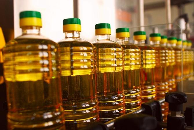 В Украине ограничили экспорт подсолнечного масла