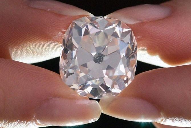 В Японии неизвестные украли бриллиант стоимостью почти 2 миллиона долларов