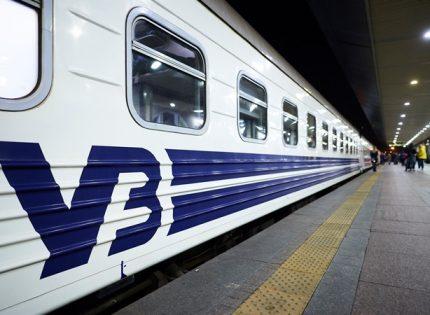«Укрзалізниця» восстановила курсирование поездов на Буковину