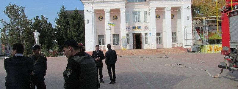В Старобельске полиция и ГСЧС проверили все объекты, которые якобы были заминированы (Фото)
