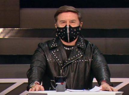 Политолог Вадим Карасев удивил дизайнерской маской