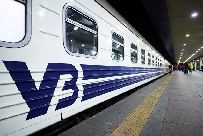 Ряд поездов отправились из Киева с задержкой из-за аварии на электросети
