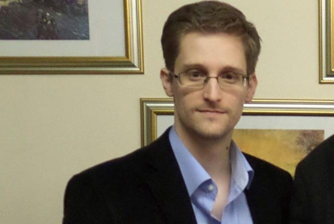 Сноуден проверил базы спецслужб США в поисках доказательств о пришельцах