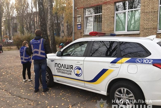 В Киеве семиклассница выпрыгнула из окна школы