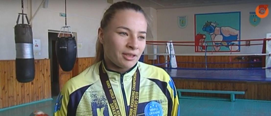 Спортсменка из Мариуполя взяла «серебро» на Чемпионате мира по кикбоксингу (Видео)