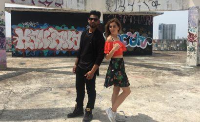 Ведущую «У кого больше» в Таиланде заставляли целоваться с индийским музыкантом