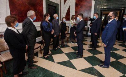 Зеленский присвоил звание Героя Украины погибшему под Докучаевском солдату